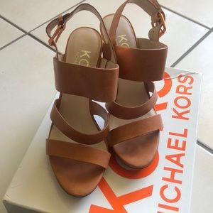 Michael Kora tan leather sandals with rose gold